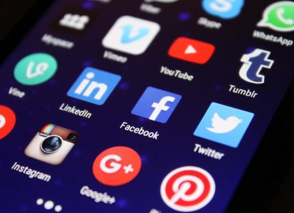 Social Media Pic 151215